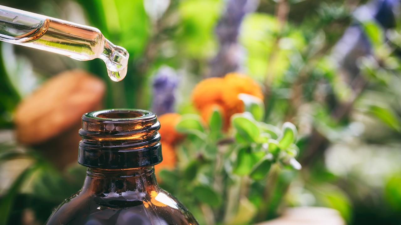 Les huiles essentielles au service de l'aromathéra